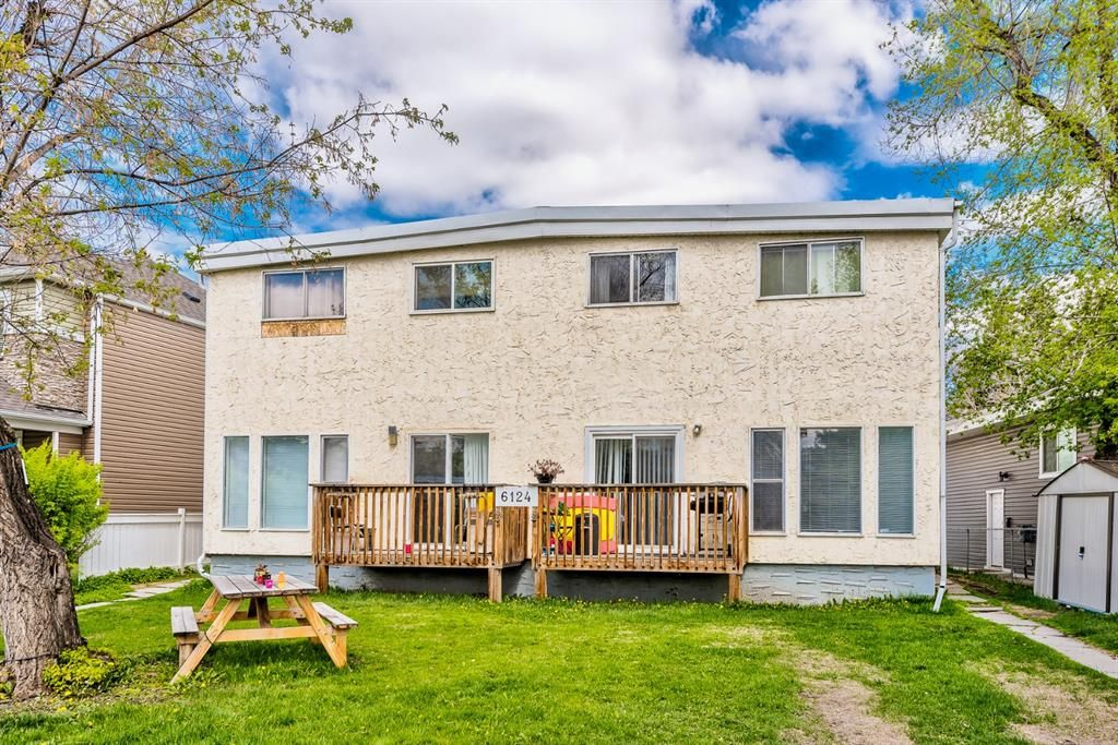 Main Photo: 2 6124 Bowness Road in Calgary: Bowness Row/Townhouse for sale : MLS®# A1131110