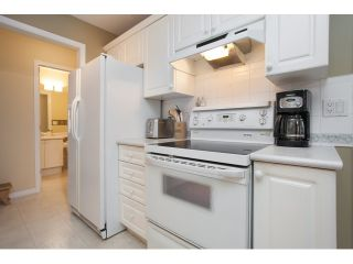 """Photo 10: 54 15959 82ND Avenue in Surrey: Fleetwood Tynehead Townhouse for sale in """"CHERRY TREE LANE"""" : MLS®# R2035228"""