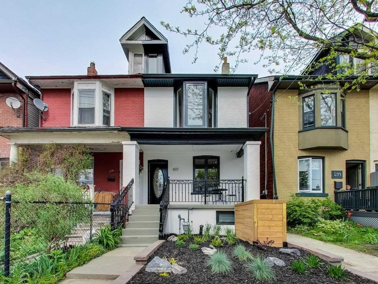 Main Photo: 601B Pape Avenue in Toronto: South Riverdale House (2 1/2 Storey) for lease (Toronto E01)  : MLS®# E4749048