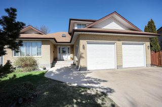 Photo 1: 12 Gregg Place in Winnipeg: Parkway Village Residential for sale (4F)  : MLS®# 202111541