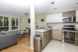 "Photo 14: 7436 MAGNOLIA Terrace in Burnaby: Highgate Townhouse for sale in ""CAMARILLO"" (Burnaby South)  : MLS®# R2493267"