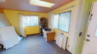 Photo 5: Cheap Mobile Home For Sale  |  4-1201 Craigflower Road