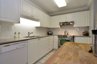 "Photo 8: 104 1378 GEORGE Street: White Rock Condo for sale in ""FRANKLIN PLACE"" (South Surrey White Rock)  : MLS®# R2371327"