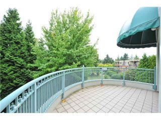 """Photo 11: 303 1705 MARTIN Drive in Surrey: Sunnyside Park Surrey Condo for sale in """"SOUTHWYND"""" (South Surrey White Rock)  : MLS®# F1420126"""