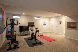 Photo 28: 875 Queenston Bay in Winnipeg: River Heights Residential for sale (1D)  : MLS®# 202109413