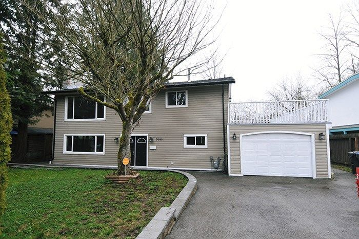 "Main Photo: 3688 ST. THOMAS Street in Port Coquitlam: Lincoln Park PQ House for sale in ""SUN VALLEY PARK"" : MLS®# R2040754"