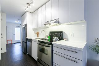 """Photo 4: 306 370 CARRALL Street in Vancouver: Downtown VE Condo for sale in """"21 Doors"""" (Vancouver East)  : MLS®# R2557120"""