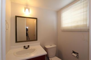 Photo 13: 1112 NINGA Road NW in Calgary: North Haven Semi Detached for sale : MLS®# C4222139