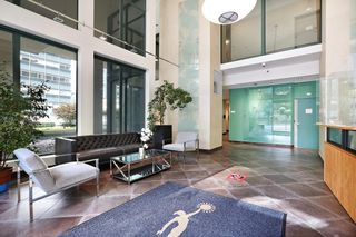 """Photo 3: 2510 1239 W GEORGIA Street in Vancouver: Coal Harbour Condo for sale in """"The Venus"""" (Vancouver West)  : MLS®# R2616996"""