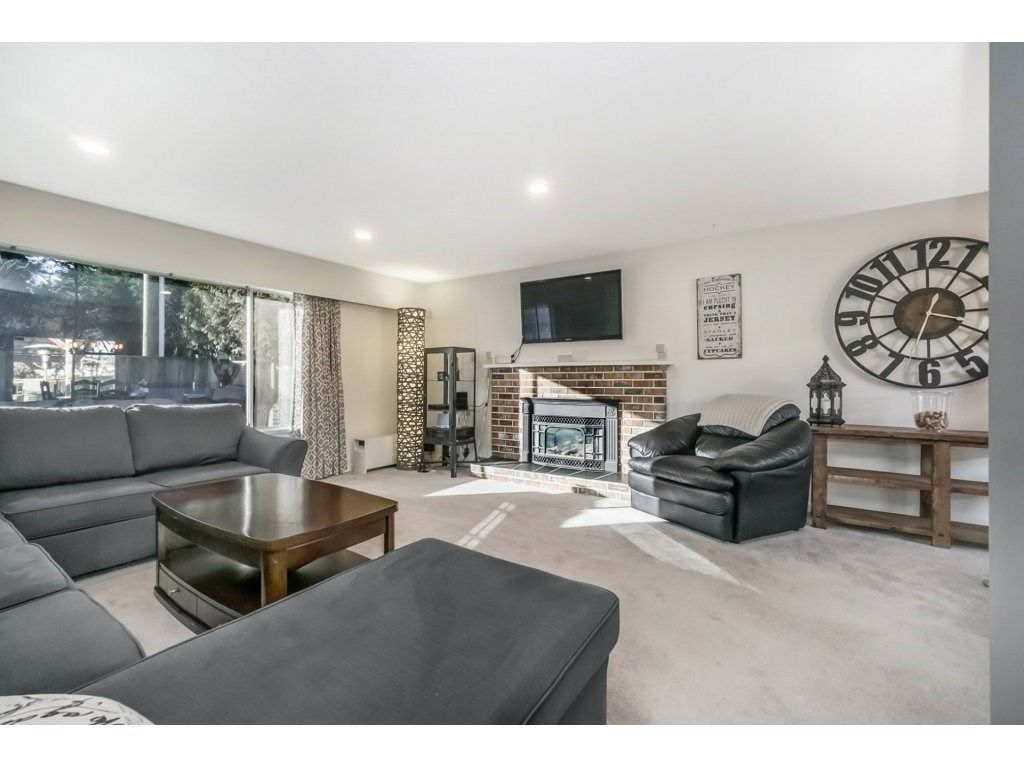 Photo 4: Photos: 6474 196 Street in Langley: Willoughby Heights House for sale : MLS®# R2239174