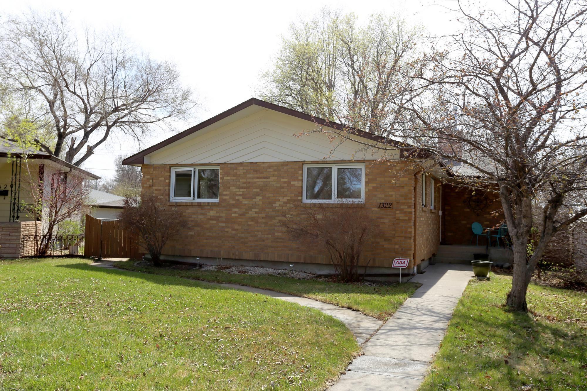 Photo 35: Photos: 1322 Valour Road in Winnipeg: Sargent Park Single Family Detached for sale (5C)  : MLS®# 1811835
