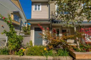 """Photo 3: 26 230 TENTH Street in New Westminster: Uptown NW Townhouse for sale in """"COBBLESTONE WALK"""" : MLS®# R2107717"""