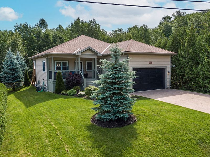 FEATURED LISTING: 271 Graham Street Meaford