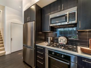 """Photo 11: TH5 619 FIFTH Avenue in New Westminster: Uptown NW Townhouse for sale in """"VICEROY"""" : MLS®# R2593947"""