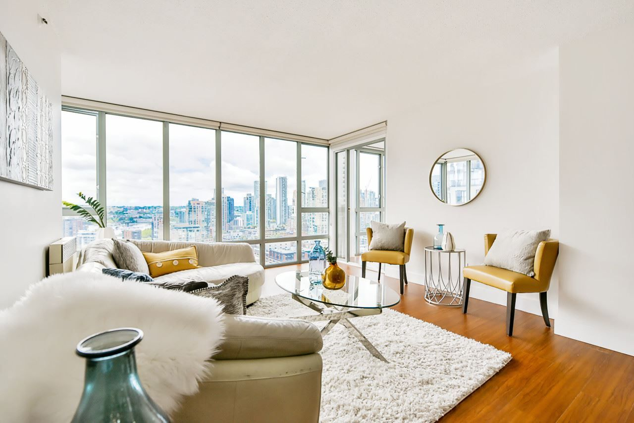 Main Photo: 2304 950 CAMBIE Street in Vancouver: Yaletown Condo for sale (Vancouver West)  : MLS®# R2455594