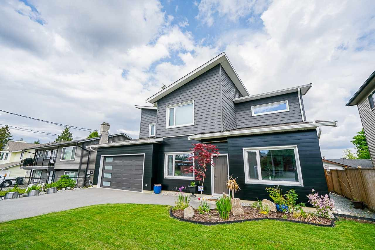 """Main Photo: 2858 269 Street in Langley: Aldergrove Langley House for sale in """"BETTY GILBERT AREA"""" : MLS®# R2457000"""