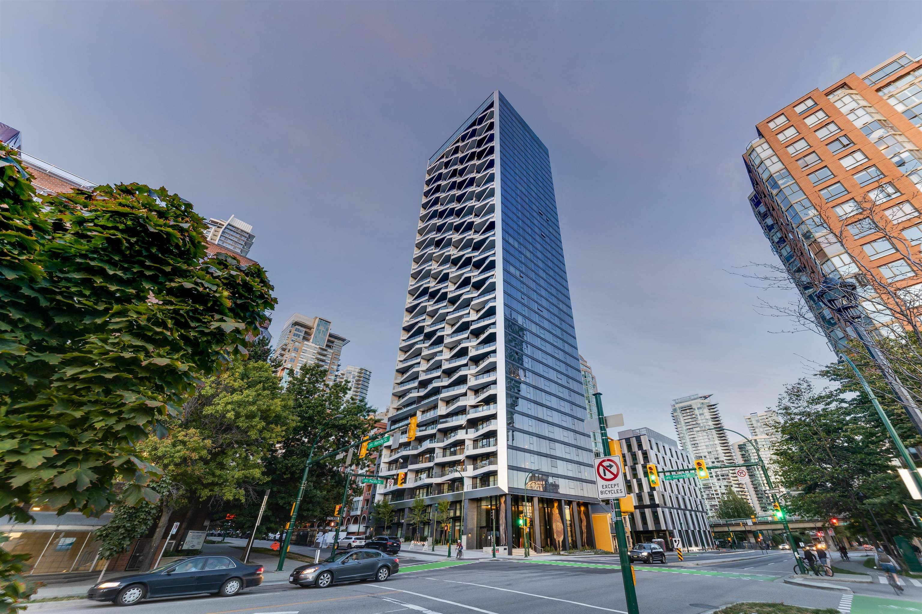 Main Photo: 903 889 PACIFIC STREET in Vancouver: Downtown VW Condo for sale (Vancouver West)  : MLS®# R2614072