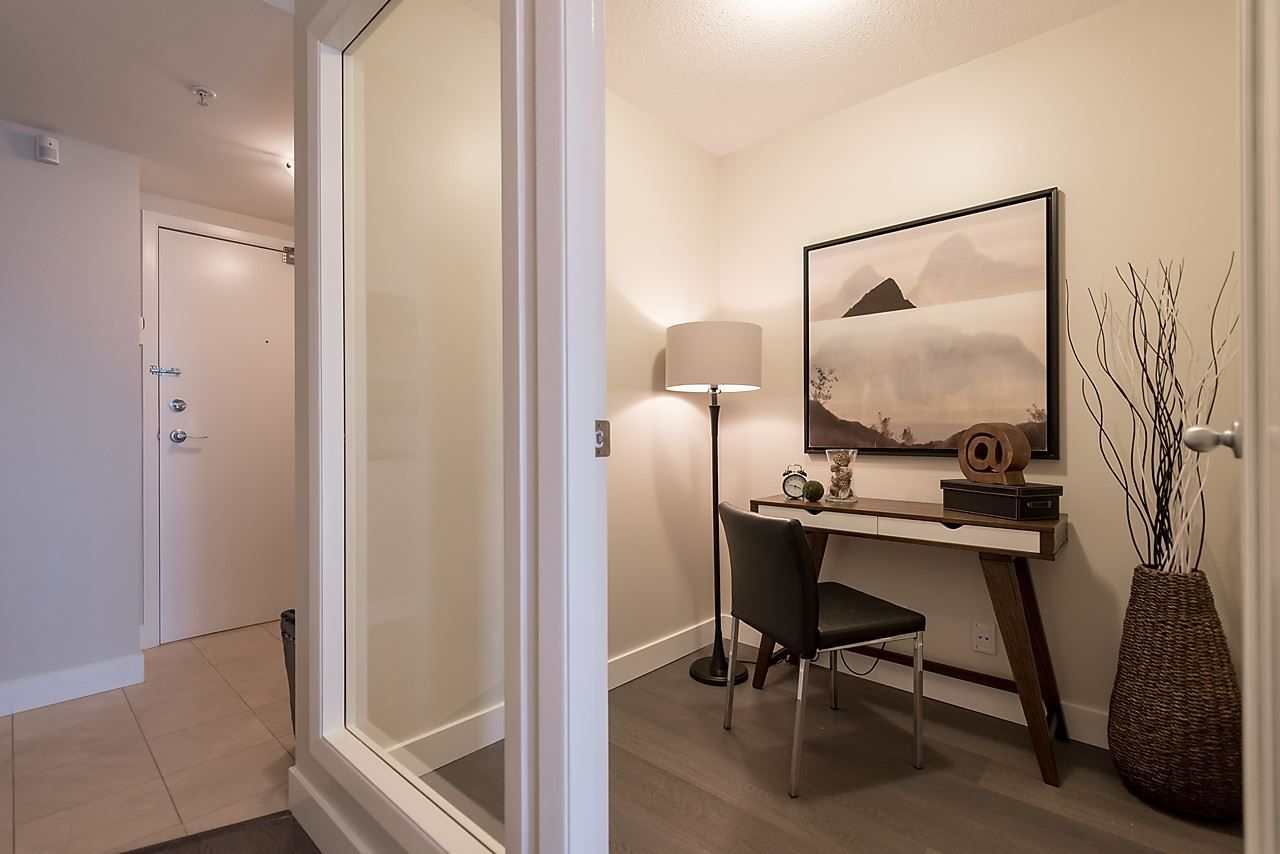 "Photo 20: Photos: 2508 193 AQUARIUS Mews in Vancouver: Yaletown Condo for sale in ""MARINASIDE RESORT RESIDENCES"" (Vancouver West)  : MLS®# R2106066"