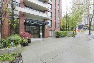Photo 1: 1905 909 MAINLAND STREET in Vancouver: Yaletown Condo for sale (Vancouver West)  : MLS®# R2440557