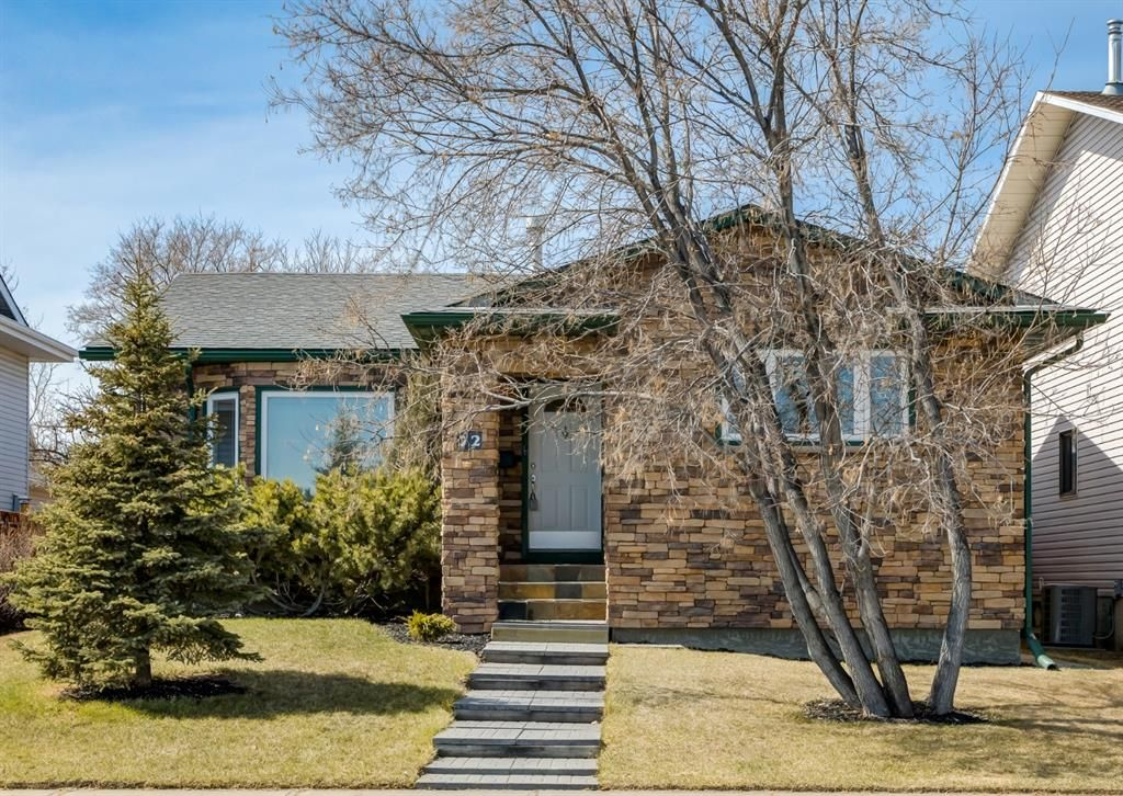 Main Photo: 72 Riverbirch Crescent SE in Calgary: Riverbend Detached for sale : MLS®# A1094288