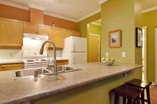 Photo 8: 107 15 SMOKEY SMITH PLACE in New Westminster: GlenBrooke North Condo for sale : MLS®# R2525727