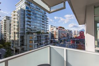 "Photo 24: 606 89 W 2ND Avenue in Vancouver: False Creek Condo for sale in ""Pinnacle Living False Creek"" (Vancouver West)  : MLS®# R2542152"