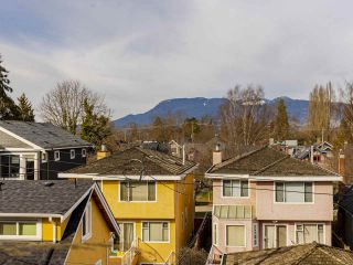 """Photo 15: 204 4375 W 10TH Avenue in Vancouver: Point Grey Condo for sale in """"The Varsity"""" (Vancouver West)  : MLS®# R2552003"""