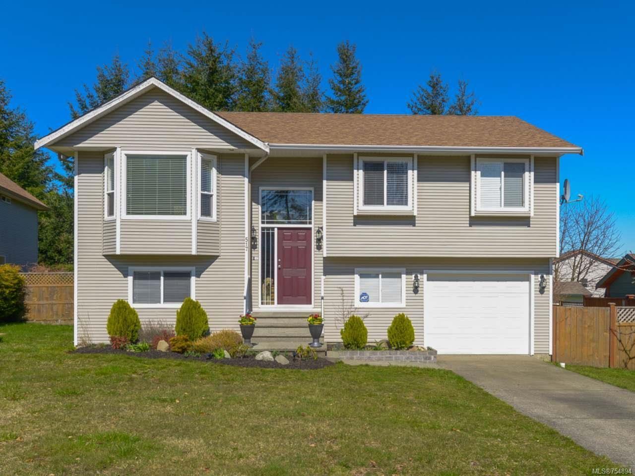 Main Photo: 517 Deerwood Pl in COMOX: CV Comox (Town of) House for sale (Comox Valley)  : MLS®# 754894