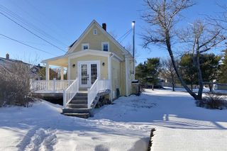 Photo 2: 1383 Blue Rocks Road in Blue Rocks: 405-Lunenburg County Residential for sale (South Shore)  : MLS®# 202102958