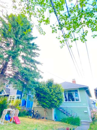 Photo 2: 957 E 15TH Avenue in Vancouver: Mount Pleasant VE House for sale (Vancouver East)  : MLS®# R2591504