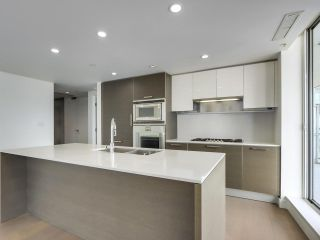 """Photo 6: 1002 1499 W PENDER Street in Vancouver: Coal Harbour Condo for sale in """"WEST PENDER PLACE"""" (Vancouver West)  : MLS®# R2583305"""