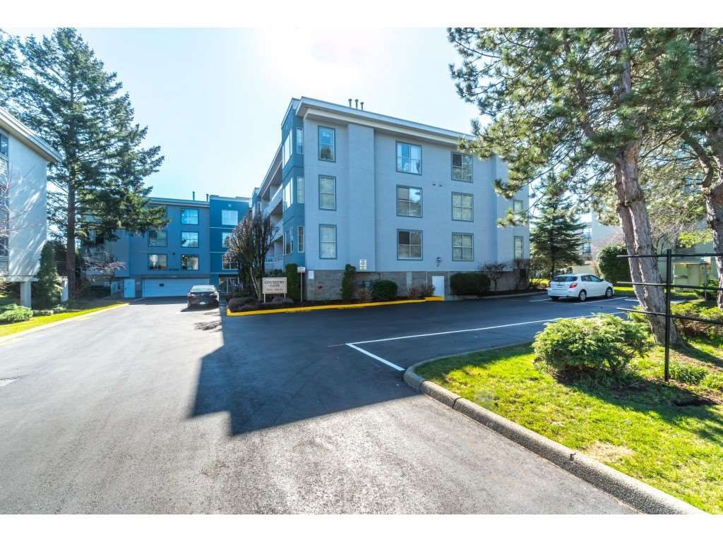 """Main Photo: 206 20350 54 Avenue in Langley: Langley City Condo for sale in """"Conventry Gate"""" : MLS®# R2350859"""