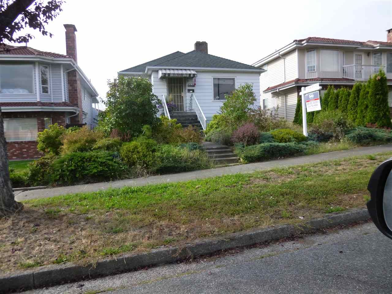 Main Photo: 2976 E 42ND Avenue in Vancouver: Killarney VE House for sale (Vancouver East)  : MLS®# R2102970