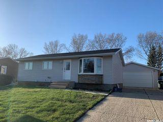 Photo 1: 17 Henderson Drive in Yorkton: North YO Residential for sale : MLS®# SK852875