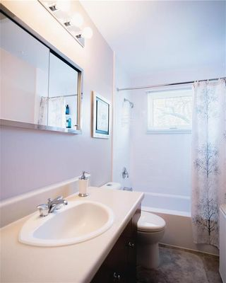 Photo 16: 646 Berkley Street in Winnipeg: Charleswood Residential for sale (1G)  : MLS®# 202105953
