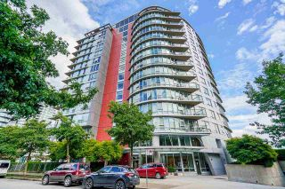 """Main Photo: 603 980 COOPERAGE Way in Vancouver: Yaletown Condo for sale in """"COOPERS POINTE"""" (Vancouver West)  : MLS®# R2593581"""