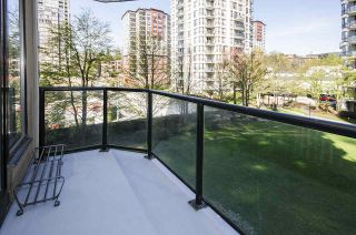 """Photo 10: 308 55 TENTH Street in New Westminster: Downtown NW Condo for sale in """"Westminster Towers"""" : MLS®# R2353028"""