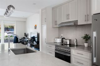 "Photo 12: 2 115 W QUEENS Road in North Vancouver: Upper Lonsdale Townhouse for sale in ""Queen's Landing"" : MLS®# R2529990"