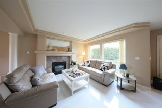 Photo 4: 1415 BRISBANE Avenue in Coquitlam: Harbour Chines House for sale : MLS®# R2544626