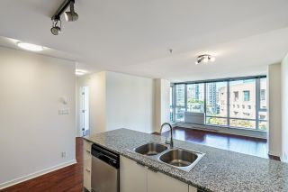 """Photo 7: 1205 788 HAMILTON Street in Vancouver: Downtown VW Condo for sale in """"TV TOWER 1"""" (Vancouver West)  : MLS®# R2614226"""