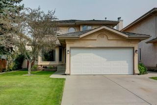 Photo 1: 113 Mt Sparrowhawk Place SE in Calgary: McKenzie Lake Detached for sale : MLS®# A1130042