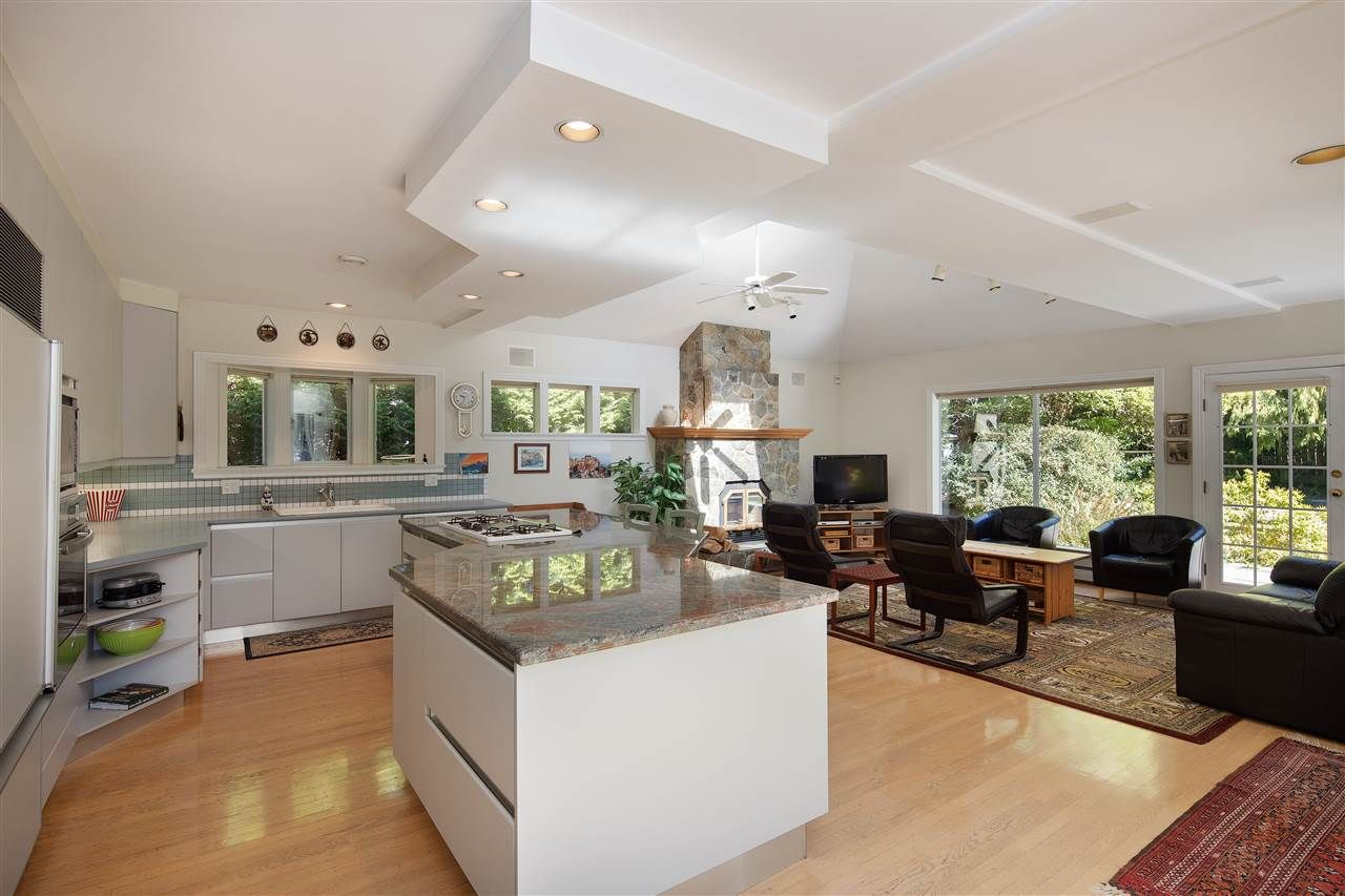 Photo 11: Photos: 1988 ACADIA Road in Vancouver: University VW House for sale (Vancouver West)  : MLS®# R2536524