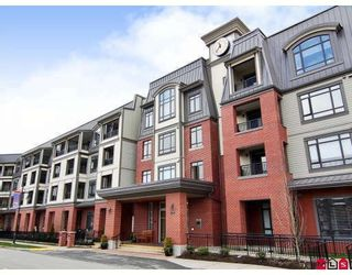 """Photo 1: 415 8880 202ND Street in Langley: Walnut Grove Condo for sale in """"THE RESIDENCES AT VILLAGE SQUARE"""" : MLS®# F2904901"""