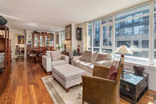"""Photo 5: 261 2080 W BROADWAY in Vancouver: Kitsilano Condo for sale in """"Pinnacle Living on Broadway"""" (Vancouver West)  : MLS®# R2496208"""