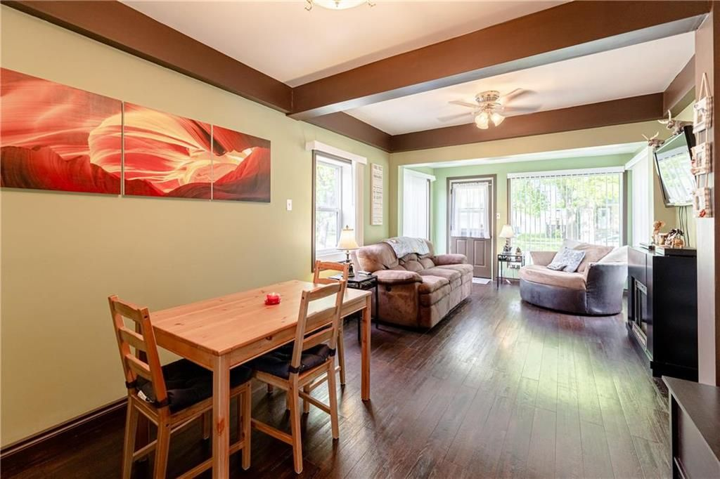 Photo 9: Photos: 805 Madeline Street in Winnipeg: West Transcona Residential for sale (3L)  : MLS®# 202114224