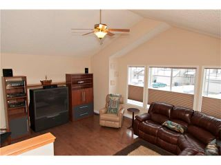 Photo 26: 48 COUGARSTONE Court SW in Calgary: Cougar Ridge House for sale : MLS®# C4045394