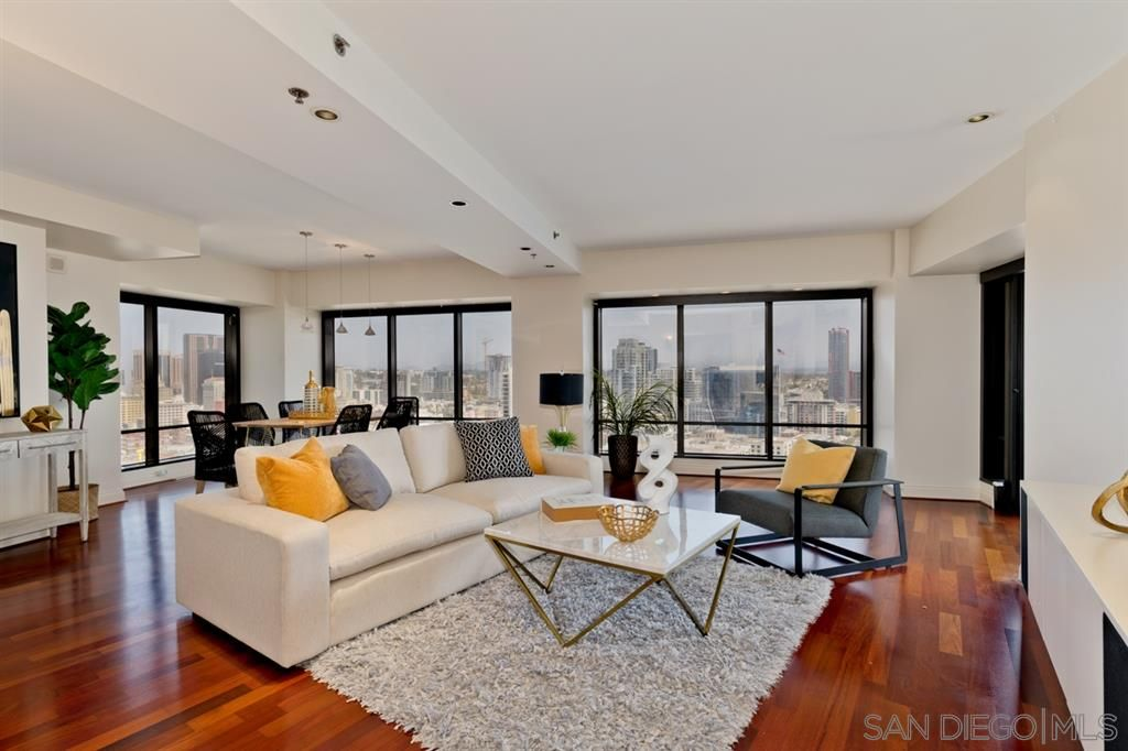 Main Photo: DOWNTOWN Condo for sale : 2 bedrooms : 200 Harbor Dr #2701 in San Diego