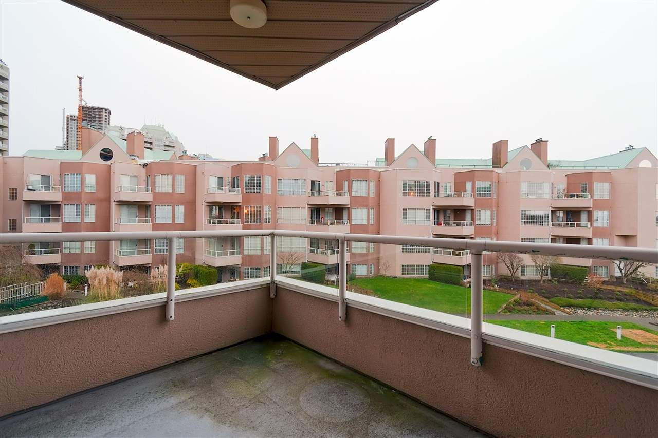 Photo 16: Photos: 316 1150 QUAYSIDE Drive in New Westminster: Quay Condo for sale : MLS®# R2329449