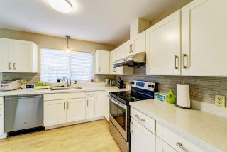 "Photo 6: 19 BRACKENRIDGE Place in Port Moody: Heritage Mountain House for sale in ""Heritage Mountain"" : MLS®# R2458813"