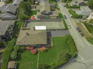 Photo 2: 4183 HIGHLAND BOULEVARD in North Vancouver: Forest Hills NV House for sale : MLS®# R2064082